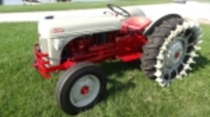 ONLINE ANTIQUE TRACTOR & MORE AUCTION at 10851 E. Hwy WW, Columbia, MO