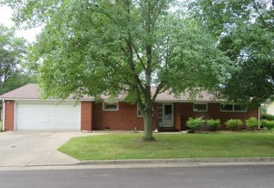 One-Level Ranch Style Home In Nice Family Neighborhood At 9 Mayes Meadows, Centralia, MO