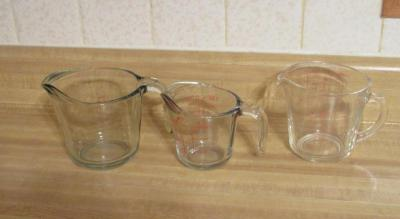 3 measuring cups