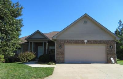 Wonderful Family Home In Vanderveen Crossing At 3704 Jaguar Ct., Columbia, MO