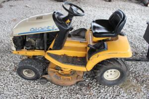Cub Cadet Series 2000 riding lawn mower