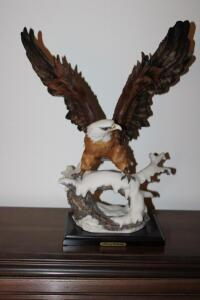 Eagle Fineart Collection figurine on wood base