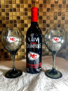 Kansas City Chiefs Wine Set