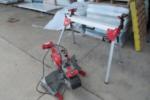 Milwaukee Compound Miter