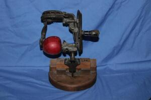 Reading Hardware Co. apple peeler