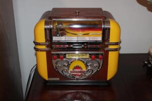 Polyconcept reproduction jukebox