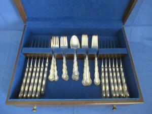 "Reed & Barton sterling silver flatware ""Tara"" in wooden box"