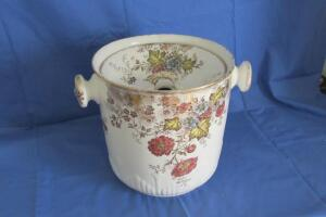 Erie England chamber pot
