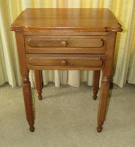 Antique 2-drawer table