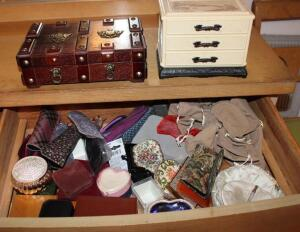 Jewelry boxes, dresser boxes