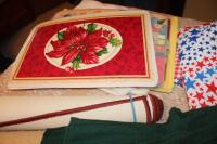Tablecloths, rugs, placemats - 8