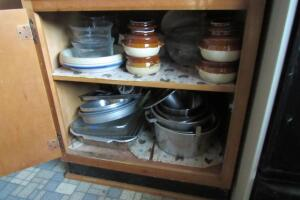 Baking dishes, bean pots