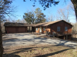 Home & 20+/- Private Wooded Acres Sells To High Bidder - Rocheport, MO