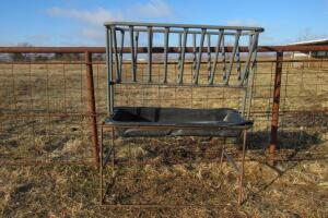 Elevated horse feeder, damage to tray