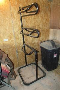 Metal saddle rack, holds 3 saddles