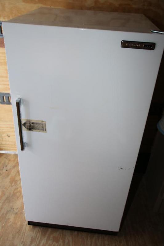 hotpoint upright manual defrost freezer model fv16ca current rh bid atterberryauction com