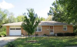 Well-Built, 1-Owner Family Home Located In The Parkade Subdivision At 1604 Kathy Dr., Columbia, MO
